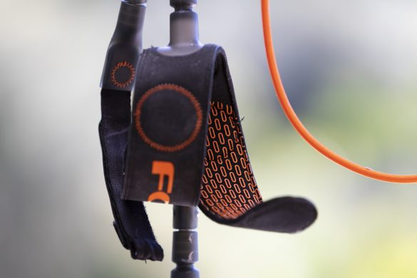 The internal cuff grip ensures the legrope stays put.