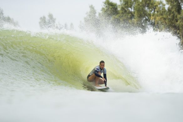Paige Hareb (NZ) scored a 7.53 point ride on her first left wave and a 7.93 point ride on her first right wave to add towards the Qualifying Run 1 team total of 69.2 points for Team World at the 2018 Founders Cup at Lemoore, CA, USA. Photo: WSL/Cestari