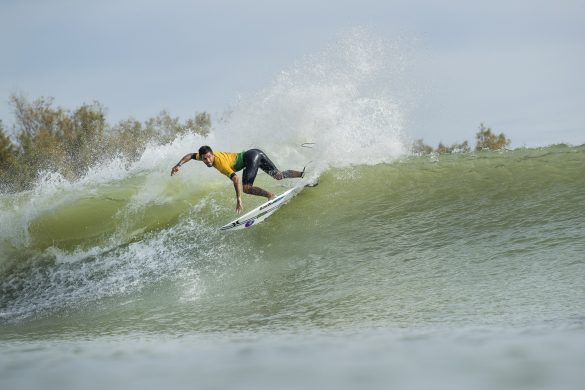 Filipe Toledo scored a 7.83 point ride on his first left wave and a 6.93 point ride on his first right wave towards the Qualifying Run 1 team total of 63.59 points for Team Brazil at the 2018 Founders Cup at Lemoore, CA, USA. Photo: WSL/Cestari
