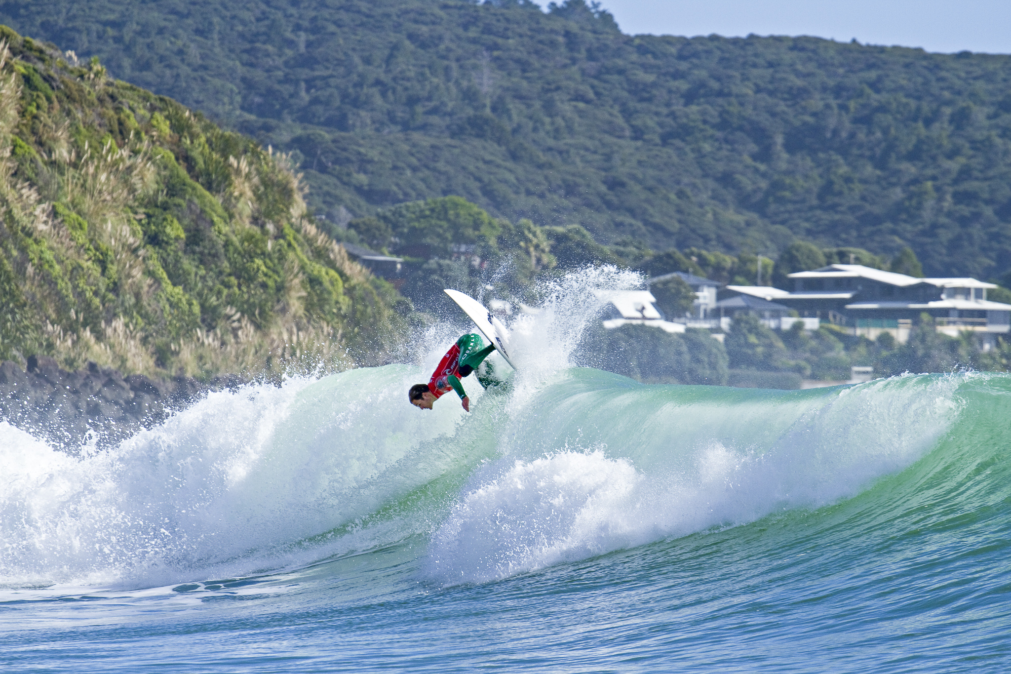 New Zealand S Richest Surfing Event Makes History With Tab