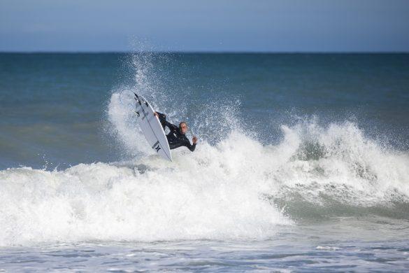 Dune Kennings showing how it's done. Photo: Derek Morrison