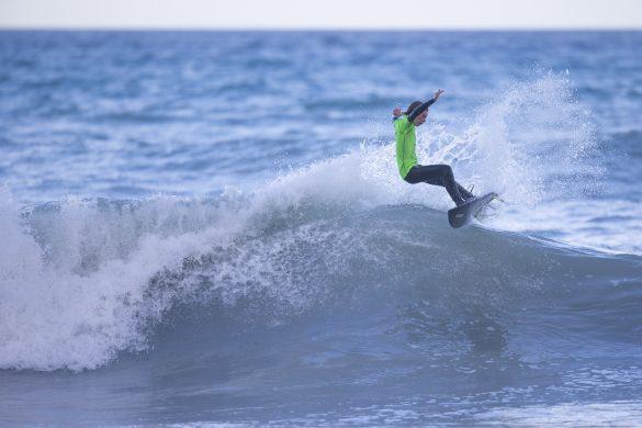 Kahu Kaan loosing his fins. Photo: Derek Morrison