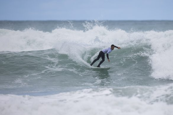 Local surfer Tyler Perry on his way to the semis. Photo: Derek Morrison